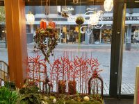 Juledekorationer, dørkranse og mistelte