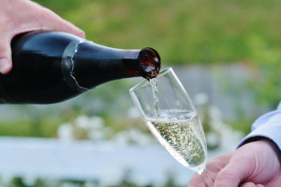 Forkæl dig selv med østers og champagne