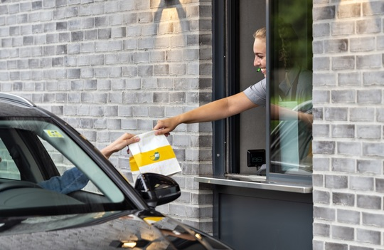 Udvalgte Sunset Boulevard-restauranter lukker midlertidigt, og gæster opfordres til at benytte drive-in