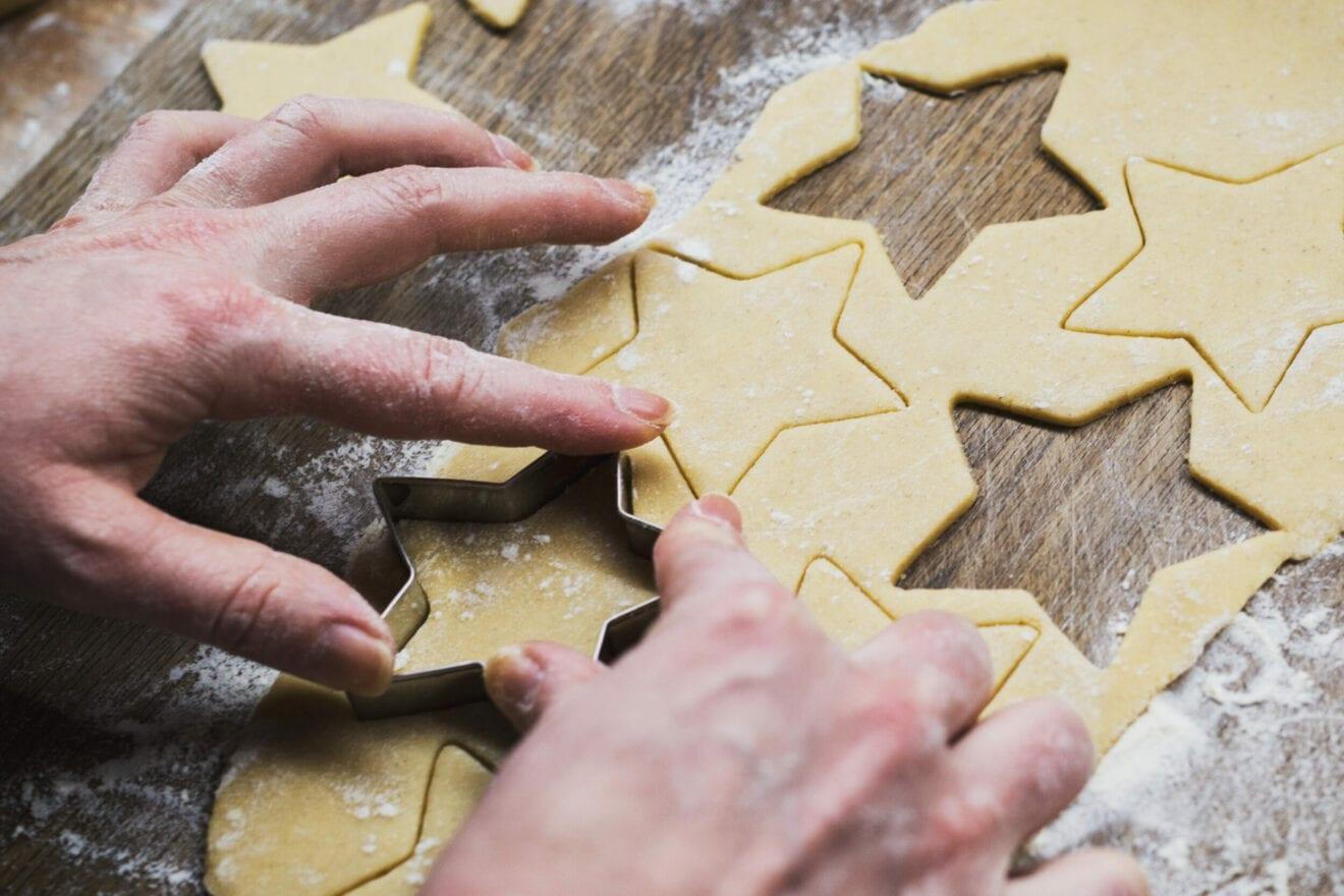 Gåden vi endnu ikke kan løse: Hvordan skærer vi julesmåkagerne bedst ud?